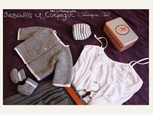 Kit-Tricot brassière bonnet et chaussons Classique Chic-Vos doigts ont la parole
