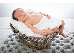 """Kit à tricoter la couverture pour bébé """"Plume"""""""
