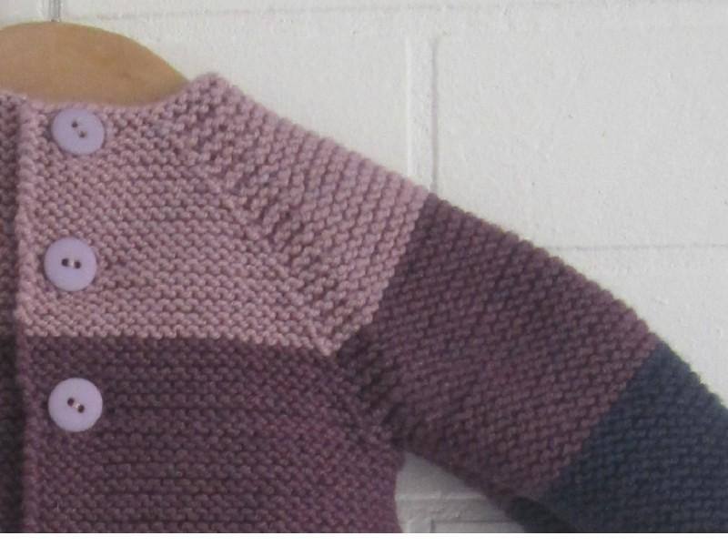 79d6029af3b ... Pimprenelle- Modèle de brassière à tricoter et à télécharger  gratuitement.